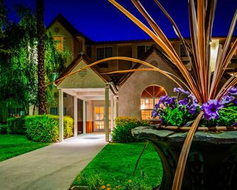 SureStay Plus Hotel by Best Western Rocklin - Rocklin - Gebäude