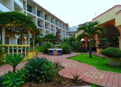 Fairway Hotel & Spa - Kampala - Buiten zicht