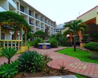 Fairway Hotel & Spa - Kampala - Outdoors view