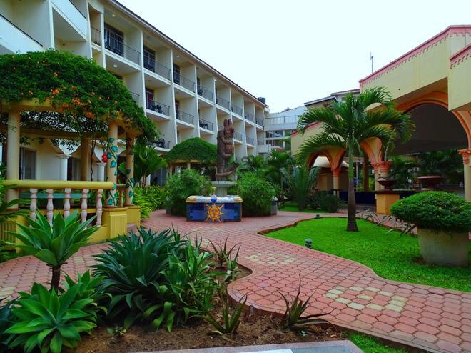 Fairway Hotel & Spa - Kampala - Näkymät ulkona