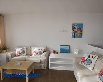 Duplex en frente de la playa al lado de Barcelona - Canet de Mar - Living room