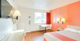 Motel 6 Phoenix East - פיניקס - חדר שינה