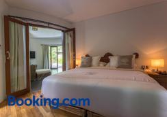 De Moksha Eco Friendly Boutique Resort - Kediri - Bedroom