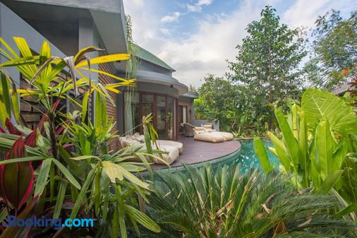 De Moksha Eco Friendly Boutique Resort - Kediri - Balcony
