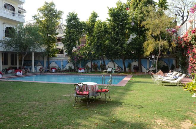 Hotel Megh Niwas - Jaipur - Pool