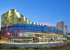 Zest Hotel Airport Jakarta - Tangerang City - Building