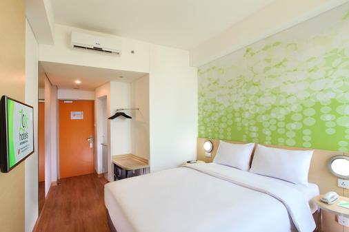 Zest Hotel Airport Jakarta - Tangerang City - Bedroom