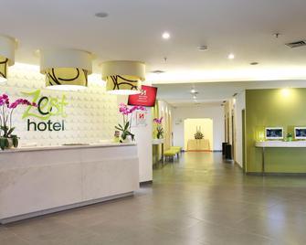 Zest Hotel Airport Jakarta - Tangerang City - Reception