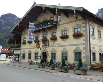 Gasthof Falkenstein & Metzgerei Schwaiger - Flintsbach - Edificio