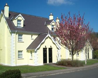 Aughrim Holiday Village - Aughrim - Building