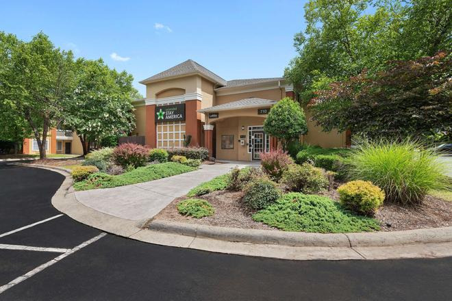 Extended Stay America - Charlotte - Airport - Charlotte - Building
