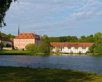 Hotel Schloss Reichmannsdorf - Schlüsselfeld - Buiten zicht