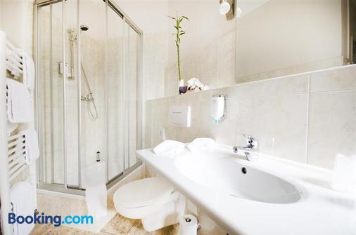 Parkhotel Helmstedt - Helmstedt - Bathroom