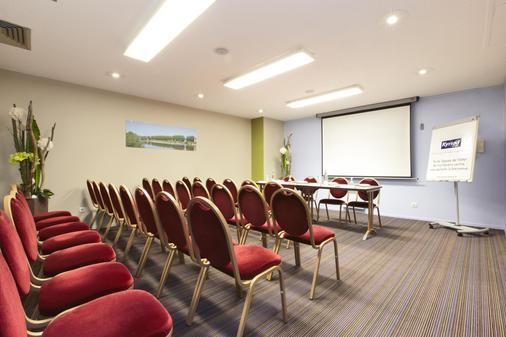 Kyriad Nevers Centre - Nevers - Meetingraum