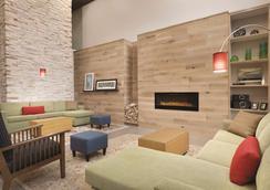 Country Inn & Suites by Radisson, Roanoke, VA - Roanoke - Oleskelutila