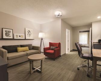 Country Inn & Suites by Radisson, Roanoke, VA - Roanoke - Living room