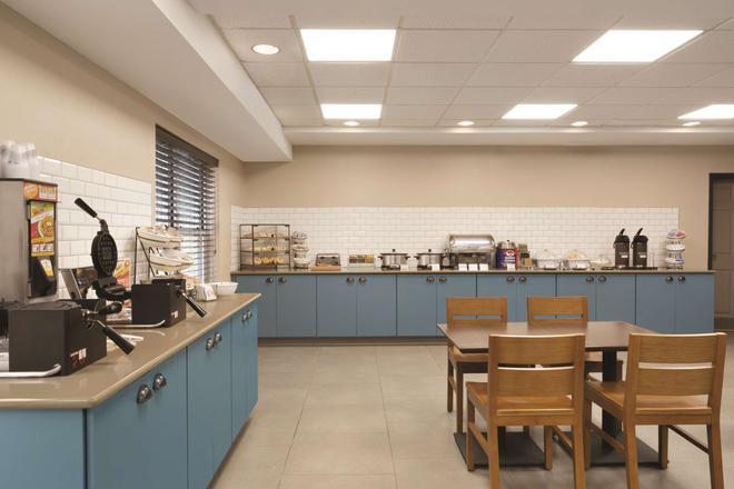 Country Inn & Suites by Radisson, Roanoke, VA - Roanoke - Buffet