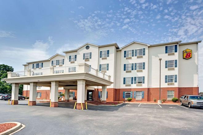 路易斯維爾/會展中心速 8 酒店 - 路易斯維爾 - 路易斯維爾(肯塔基州) - 建築