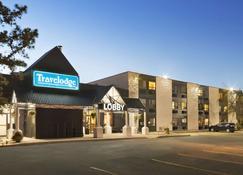Travelodge by Wyndham Edmonton South - Edmonton - Building