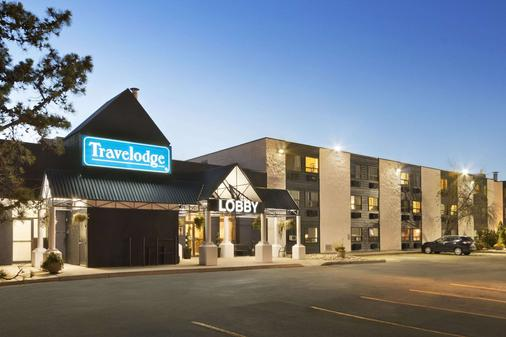 Travelodge by Wyndham Edmonton South - Edmonton - Rakennus
