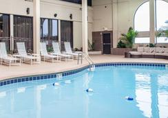 Clarion Hotel Nashville Downtown - Stadium - Nashville - Pool