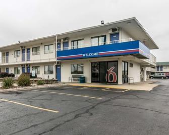 Motel 6 Janesville - Janesville - Gebouw