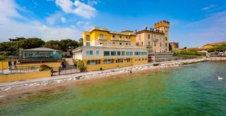 Hotel Estée - Desenzano del Garda - Edificio