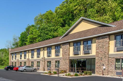 Quality Inn near Mountain Creek - McAfee - Building