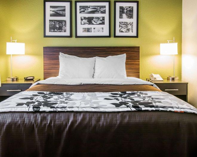 Sleep Inn - Midland - Bedroom