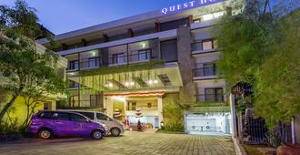 Quest Hotel Kuta By Aston - Kuta - Building