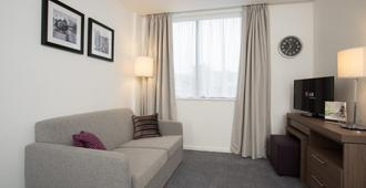 Staybridge Suites Birmingham - Birmingham - Living room