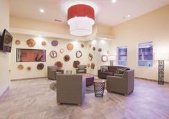 La Quinta Inn & Suites by Wyndham at Zion Park/Springdale - Springdale - Lobby