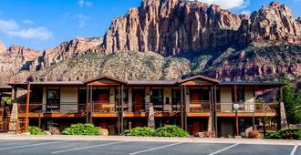 La Quinta Inn & Suites by Wyndham at Zion Park/Springdale - Springdale - Edificio
