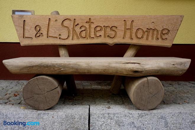 L&L Skaters Home Und Hundepension Gmbh - Kloster Zinna - Building