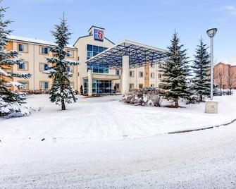 Motel 6 Red Deer - Red Deer - Building