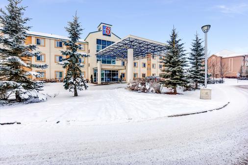 Motel 6 Red Deer - Red Deer - Κτίριο