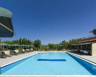 Mediterranean Hotel Apartments & Studios - Kissamos - Pool
