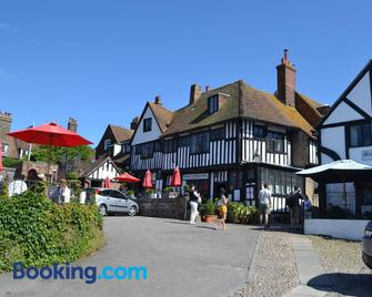 The Mermaid Inn - Rye - Building