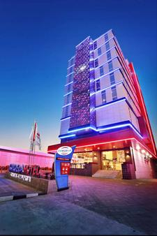 塞嫩科爾德拉飯店 - 雅加達 - 建築