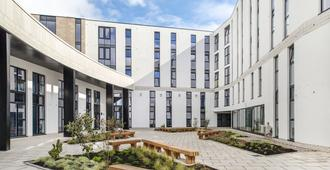 Destiny Student - Holyrood (Campus Accommodation) - Edinburgh - Building