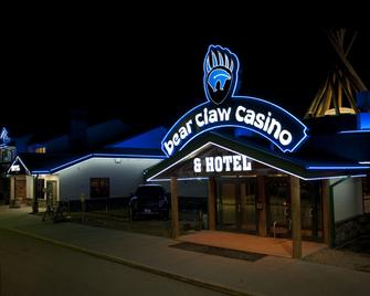 Bear Claw Casino & Hotel - Carlyle - Building