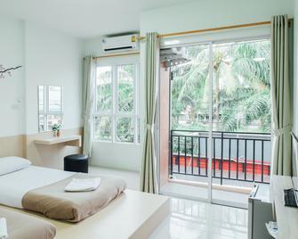 Cheaper Room - Surat Thani - Bedroom