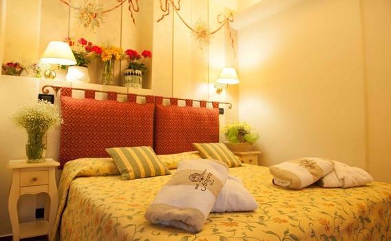 Hotel Astigiana da 82 € (1̶4̶3̶ ̶€̶). Varazze Hotel - KAYAK