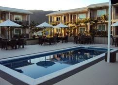 Hotel Colibri - Koné (Nueva Caledonia) - Piscina