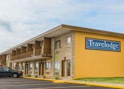 Travelodge by Wyndham Bloomington - Bloomington - Building