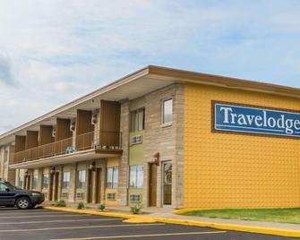 Travelodge by Wyndham Bloomington - Bloomington - Building