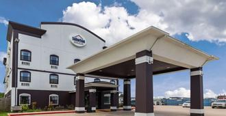 Suburban Extended Stay Hotel - Beaumont