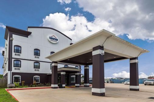 Suburban Extended Stay Hotel - Beaumont - Building
