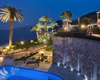 Villa Marina Capri Hotel and Spa - Capri - Building