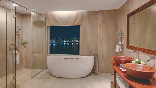 Sokha Phnom Penh Hotel - Phnom Penh - Bathroom